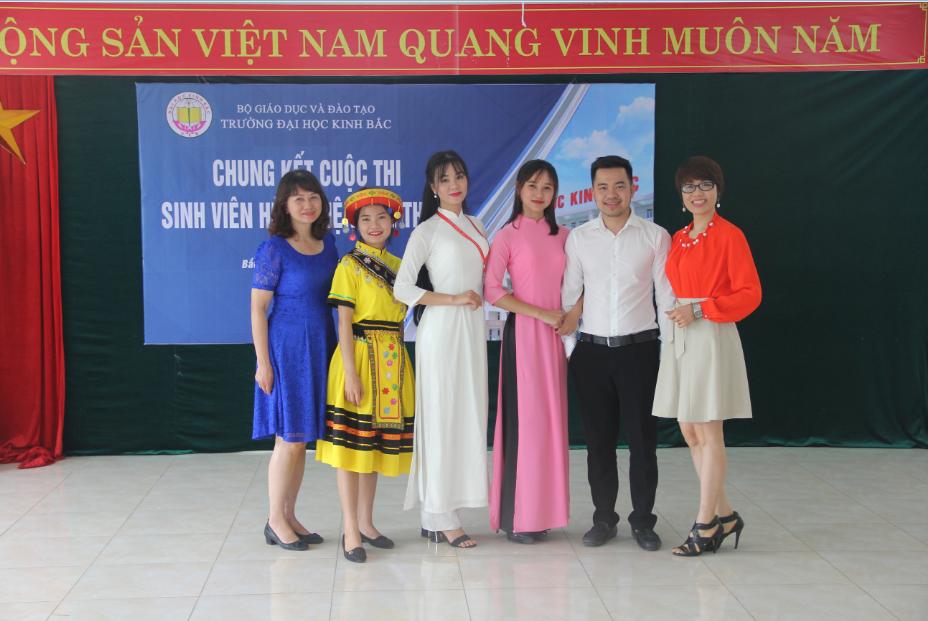 Dai hoc Kinh Bac hung bien 2 2018